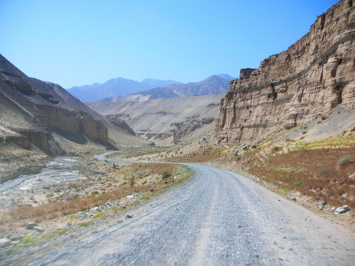 Somewhere on the road between Qarkilik (Ruoqiang) and Shimianquan, on the border between Xinjiang and Qinghai.