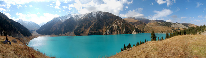 Man, oh man! That's one beautiful lake. And no, I haven't altered the color in Photoshop...that's how it really looked! (Big Almaty Lake)